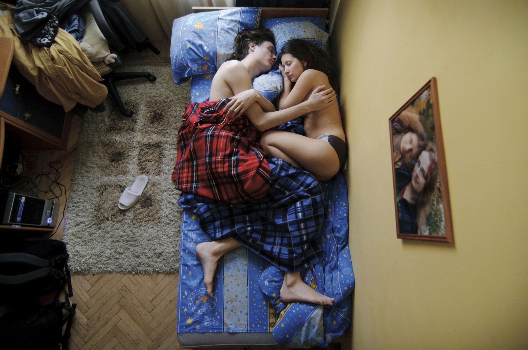 С женой остались ночевать в гостях 27 фотография